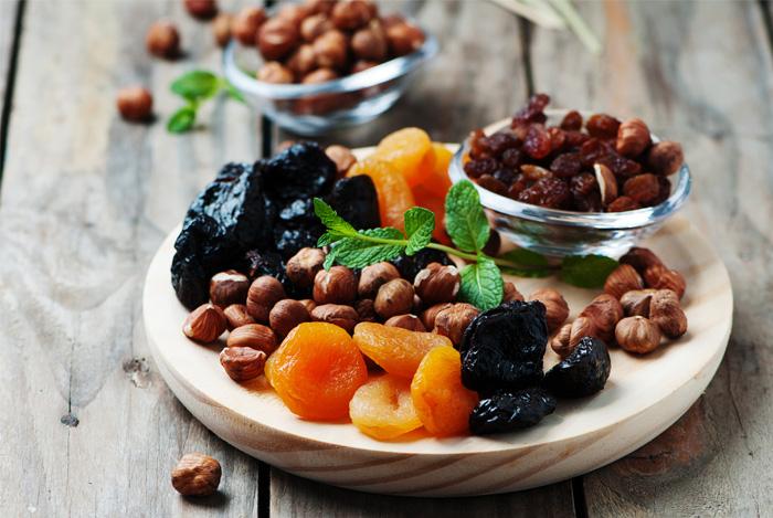 mixed dried fruit platter