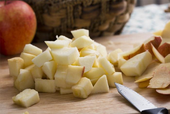 apples choped knife