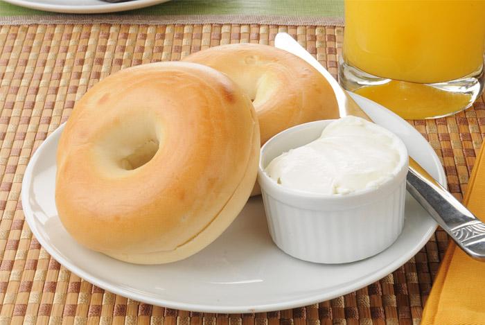 bagel orange juice