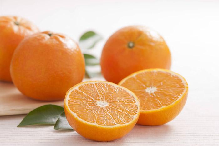 oranges half whole