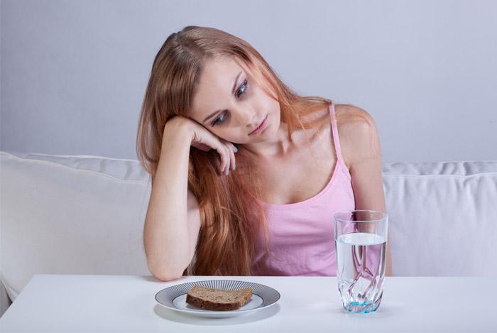 eating disorders girl plate food