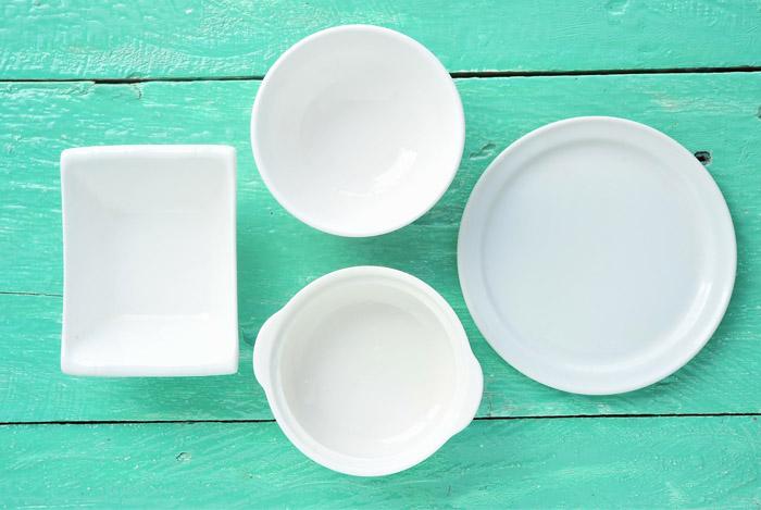 fasting empty plates bowls