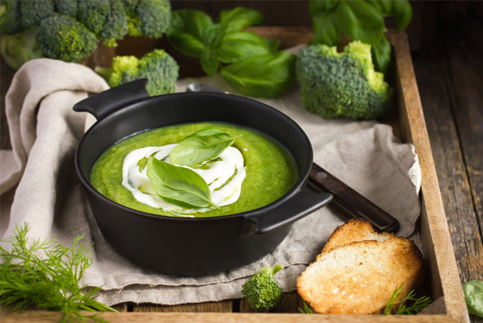 Broccoli-Spinach Soup with Leeks