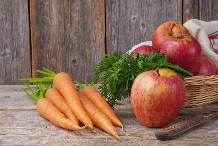 Simple Carrot & Apple Salad