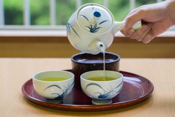 drink water green tea
