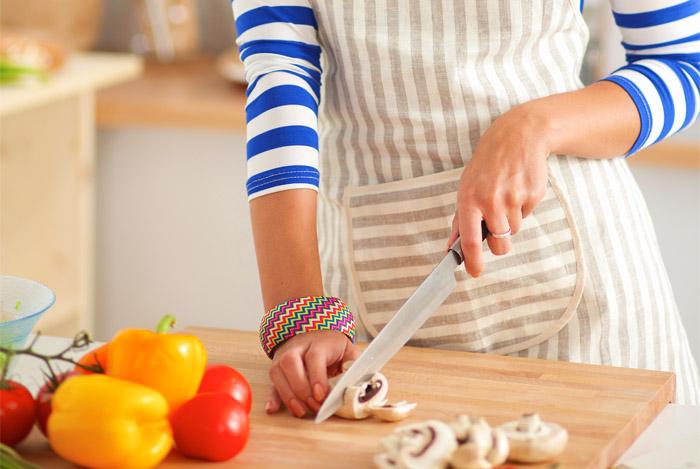 chopping mushrooms