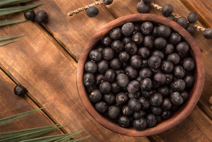 add some dark berries