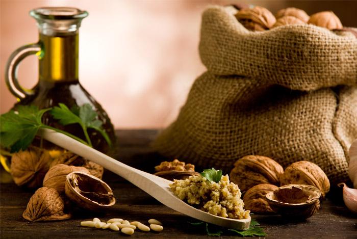 healthy fats nuts